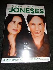 THE JONESES-Can you keep up with stylish trendsetters DEMI MOORE, DAVID DUCHOVNY