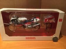 Universal Hobbies UH4821 HONDA RC 30 Joey Dunlop Isla De Man TT ganador 1:12 MIB
