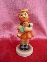 schöne Porzellanfigur__Mädchen mit Puppe__Hummel , Goebel__239/b_!
