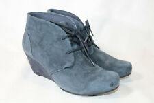 Clarks 6.5 wide navy Suede Lace-up Wedge Ankle Boots - Flores Rose