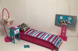 Barbie Loves Paul Frank Bedroom Play Set Nightstand TV Bed slippers,lamp Pillow