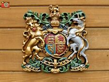 A ROYAL COAT OF ARMS LARGE WALL PLAQUE, CREST, WARRANT, QUEEN ELIZABETH