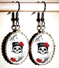 Ohrringe Totenkopf Rockabilly Skelett Schädel Damen Ohrschmuck Oval Weiß Glas