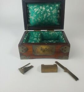VINTAGE CHINESE FLORAL JEWELRY CHEST SHANGHAI CHINA BRASS LOCK HARDWARE