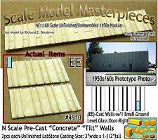 Tilt-Up Concrete Wall w/Small Glass Door-Right (2pcs) Scale Model Masterpieces N