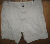 Abercrombie & Fitch Mens Shorts Khaki Chino Button Fly Cotton Light Beige 32