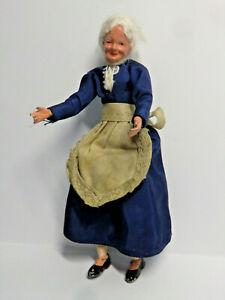 Alte Biegepuppe von Caco  Oma  14 cm  Hände und Füße aus Blei   für Puppenhaus