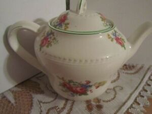 Ridgway Potteries Colclough Ditsy Pink Rose Fragrance Bone Open China Sugar Bowl Pattern No 7433 pink rose sugar bowl gift