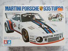 Tamiya Motorizado Martini Porsche 935 Turbo - 1:24