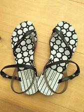 Ipanema Sandals Size 6 Blk/white/ Gray