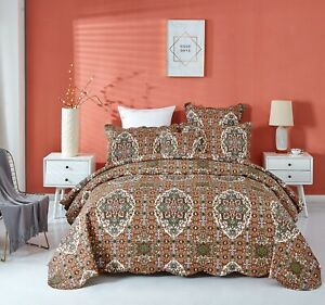 DaDa Bedding Earthy Moroccan Rustic Ogee Cross Scalloped Quilted Bedspread Set