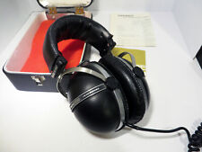Vintage Pioneer SE-305 Stereo Headphones Made in Japan 1976 with case + manual