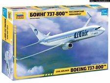 1/144 ZVEZDA 7019 Boeing 737-800 model kit NEW!