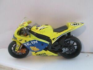 VALENTINO ROSSI YAMAHA MOTO GP 2006 1-18 SCALE MOTORCYCLE MODEL