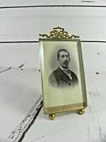 Ancien cadre porte photo chevalet à poser verre épais et cadre louis XVI noeud
