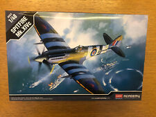 Academy 12274 Spitfire Mk. Xivc 1/48 Nuevos Y En Caja