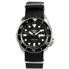 Seiko 5 Automatic Divers 200m Analog 24 Jewels Luminous Gents Watch SBSA021