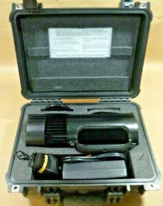 US Army Mobile Night Hunter Ultra-High Intensity Search Light System 12-32 VDC
