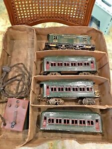 Vintage 1920's Antique Lionel Train Set- Original Box- Transformer- O Gauge