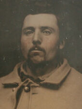 CIVIL WAR AMBROTYPE. SOLDIER IN UNIFORM. TINTED 6TH PLATE, FULL CASE.