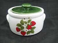 "1980 Vintage Nelson McCoy Pottery ""Strawberry Country"" Round Casserole #1421"