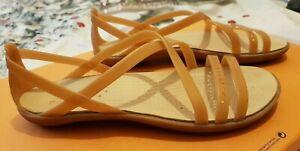 Crocs, Ladies flat shoes, Color: Beige, Size: UK- 7, Used