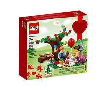 LEGO Romantic Valentine Picnic Seasonal Set (40236) - Retired