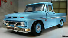 Camions de livraison miniatures bleus