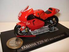 MOTO YAMAHA YZR-M1 N° 3 MAX BIAGGI 2002 au 1/24°