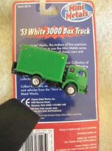 Classic Metal Works 30111 1:87 HO Mini Metals 1953 3000 Cabover Box Green