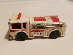 MINT Vintage 1976 Hot Wheels Mattel White + Red Fire Truck Metro 122 Malaysia