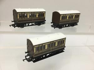 Hornby R446 OO Gauge GWR 4 Wheel Coach x3