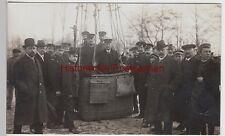 (F9668) Orig. Foto Ballonfahrt, Personen in der Gondel am Gaswerk, 1920/30er