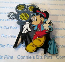 DIRECTOR MICKEY MOUSE THUMP UP SITTING on CHAIR NEXT to MOVIE CAMERA Disney Pin
