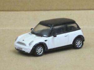 Mini Cooper in weiß mit schwarzem Dach, ohne OVP, Joy City, 1:72