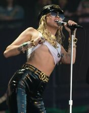 Miley Cyrus Unsigned 8x10 Photo (A)