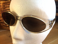Ladies Oval Retro Crystal Clear Gold Hue CE Grey Tint Lens UV400 Sunglasses S9