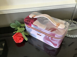 Ted Baker Porcelain Rose Zipped Vanity Case Great Condition 🌷💕💕