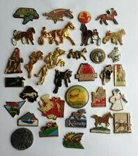 lot 32 Pin's différents CHEVAL HORSE PAARD PFERD CABALLO CAVALLO CAVALO лошадь
