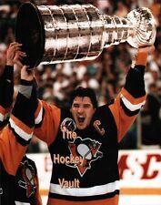 Mario LEMIEUX Pittsburgh PENGUINS #66 RAISES The 1991 STANLEY CUP 11X14 HOFer !!