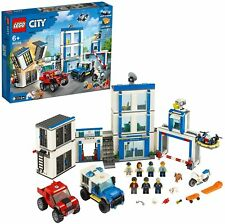 Lego City 60246 le Commissariat de Police.