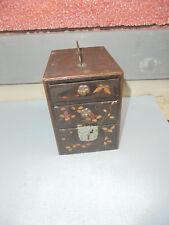 29606 Miniatur Lackkommode Schmuckkästchen Japan 1900 laquer box 12x12x9cm