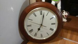 "Quartz 12"" Round Wall Clock,wood/glass,works great,vg!"