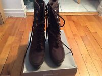 NIB women's brown Rockport/adidas quilted boots size 5.5