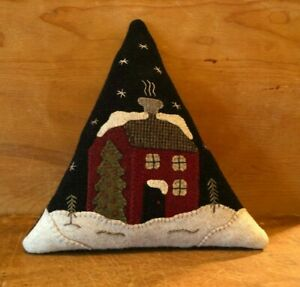 """WOOL APPLIQUE KIT """"HOLIDAY HOUSE TREE"""" BUTTERMILK BASIN"""