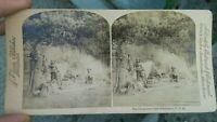 1900 FOTO STEREOSCOPICA CON ACCAMPAMENTO CACCIATORI A LAKE ABUNDANCE IN MONTANA