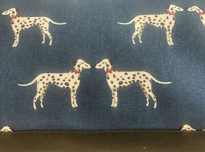 Medium Dog Bed in Sophie Allport Fabric with Removable Cover