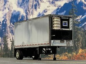 1/64 DCP CHROME 28' WABASH THERMO KING REEFER PUP TRAILER