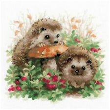 Riolis 1469 Hedgehogs in Lingonberries Counted Cross Stitch