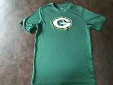 Youth Size M 10-12  NFL GREEN BAY PACKERS T-Shirt   Excellent!